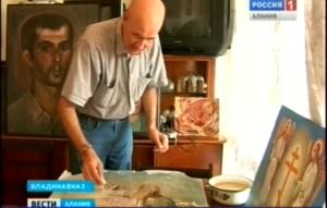 Художник Георгий Цоколаев не только создает свои собственные картины, но и реставрирует иконы