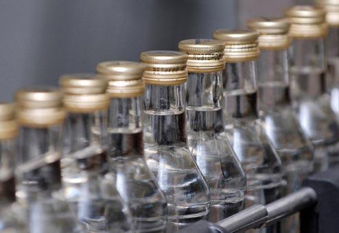 Северо-осетинские полицейские закрыли подпольный цех по производству алкоголя