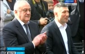 Глава республики Таймураз Мамсуров открыл первую в Осетии площадку для занятий воркаутом