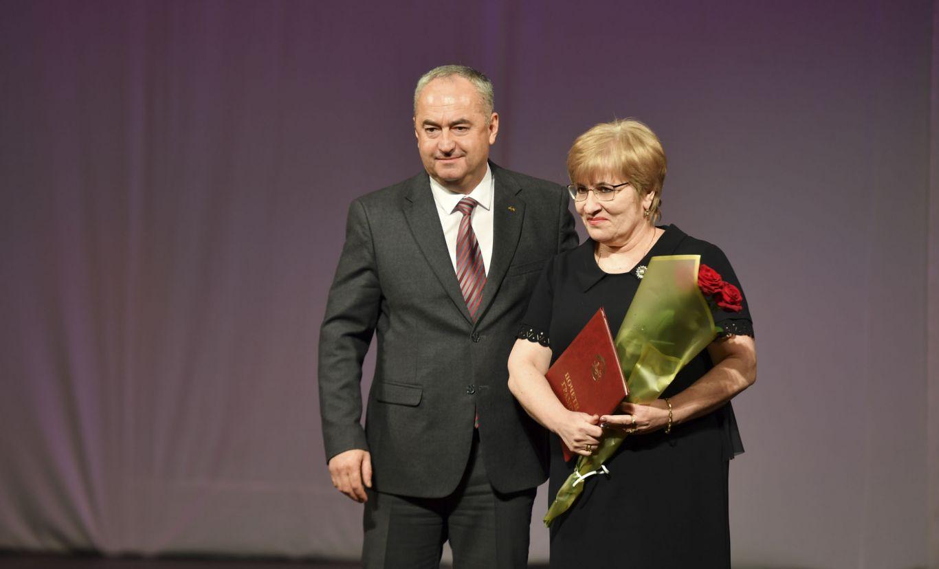 Таймураз Тускаев поздравил работников ЖКХ с профессиональным праздником
