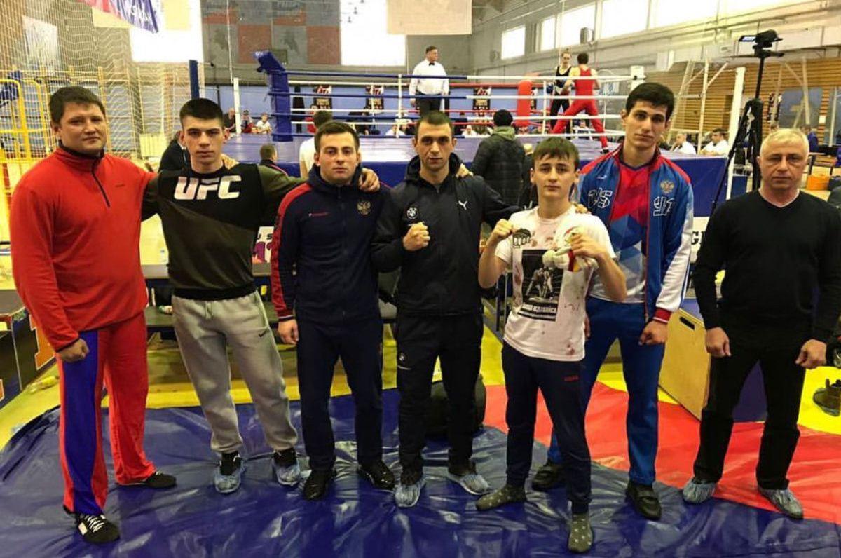 Пять наград завоевали осетинские спортсмены на чемпионате и первенстве России по французскому боксу Сават