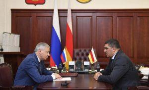 Вячеслав Битаров провёл первую рабочую встречу с новым главой Дигорского района Аланом Езеевым