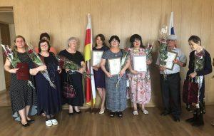 Лучших работников текстильной и легкой промышленности наградили почетными грамотами в преддверии профессионального праздника