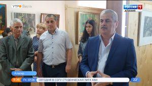 Скульптор Михаил Дзбоев и художник Иван Николаенко пообщались с алагирскими школьниками