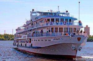 Валерий Гергиев и Вероника Джиоева примут участие в благотворительном проекте «Белый пароход»