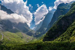 Журналисты Северной Осетии провели субботник на Мидаграбинских водопадах