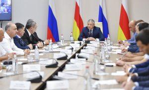 До конца года республике необходимо освоить более 8,8 млрд рублей, выделенные на объекты капстроительства и дороги
