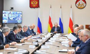 Таймураз Тускаев провел совещание по вопросам социально-экономического развития республики