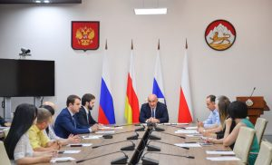 Ахсарбек Сабаткоев: В торговых сетях должно быть больше продукции местных производителей