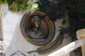 Николай Ходов создаст новый памятник Михаилу Лермонтову в Кисловодске взамен разрушенного вандалами