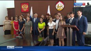 Вячеслав Битаров встретился с выпускниками детских домов