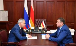 Вячеслав Битаров и Батраз Хидиров обсудили вопросы социально-экономического развития Ирафского района