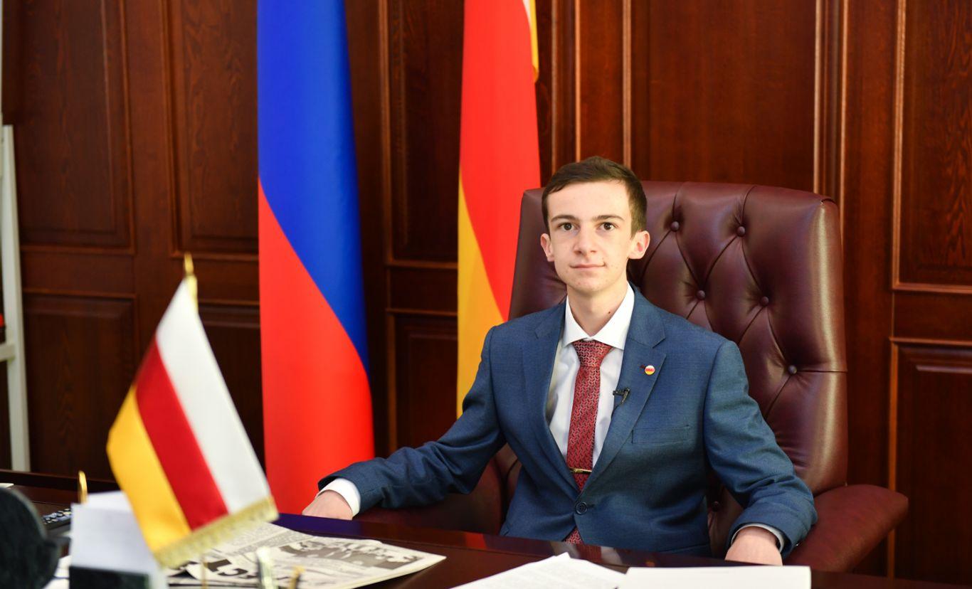 17-летний Георгий Текоев провел один день с главой Северной Осетии в рамках проекта «Мечтай со мной»