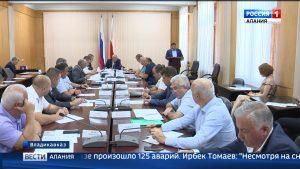 Безопасность дорожного движения вблизи школ обсудили на заседании профильной комиссии