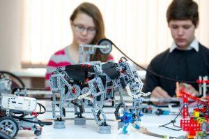 В образовательных организациях Северной Осетии появятся 42 кружка робототехники