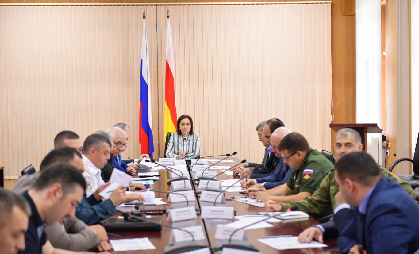 Во Владикавказе обсудили подготовку к празднованию Дня республики и Дня города
