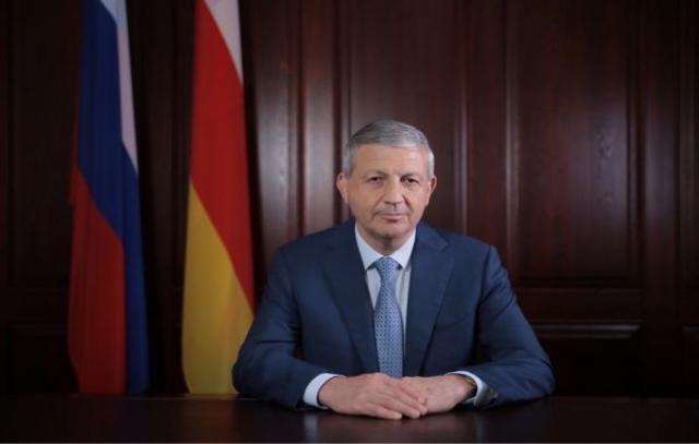 Вячеслав Битаров поздравил жителей Северной Осетии с Днем республики и Днем Владикавказа