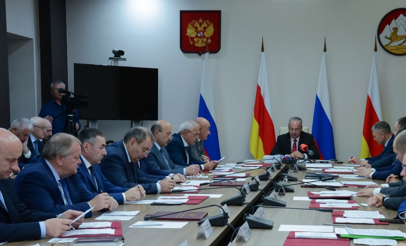 Правительство республики определило получателей стипендий имени Васо Абаева и Гриша Плиева