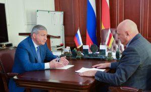 Вячеслав Битаров обсудил с Борисом Накусовым вопросы социально-экономического развития Кировского района