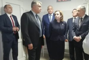 Полпред Матовников посетил в Моздоке поликлинику и сквер имени братьев Дубининых