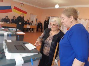 На выборах в Беслане работают 143 наблюдателя