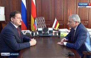 Вячеслав Битаров провел рабочую встречу с заместителем министра юстиции России Али Алхановым