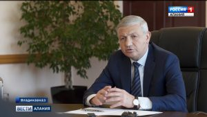 Вячеслав Битаров встретился с представителями совета гордумы и сотрудниками АМС Владикавказа