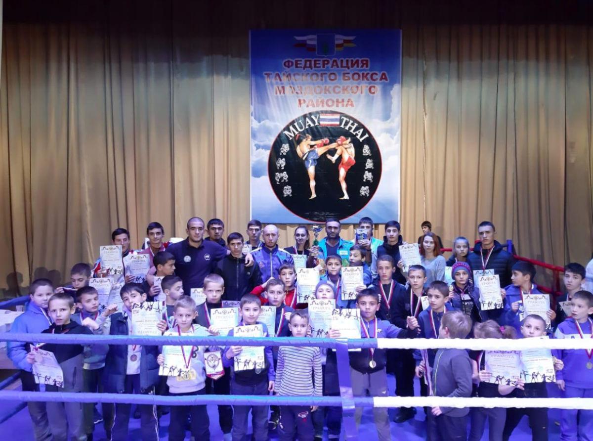 Сборная Северной Осетии по тайскому боксу победила на республиканском чемпионате