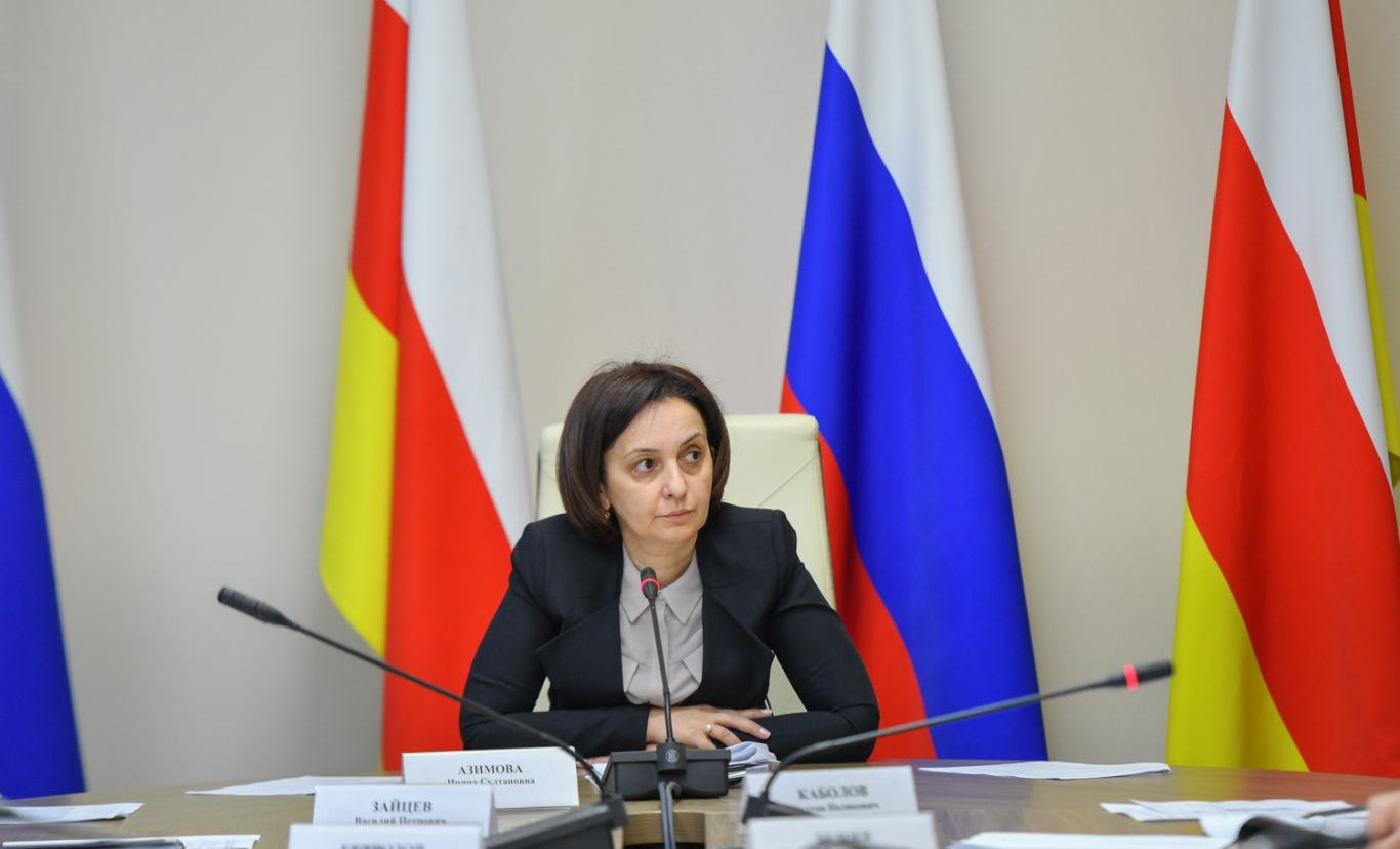 Ирина Азимова: отряды юнармии должны быть во всех школах республики