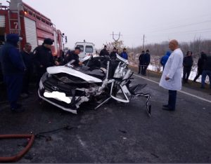 При столкновении четырех автомобилей на Транскаме пострадали три человека — дополнено