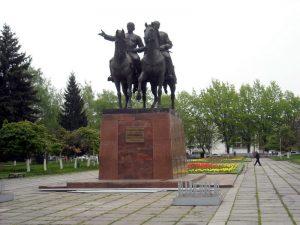 Концерт на Площади Воссоединения во Владикавказе отменили из-за погодных условий