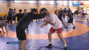 Борцы Северной Осетии, Грузии и Бурятии проводят совместный сбор во Владикавказе