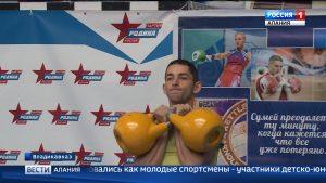 Более 50 спортсменов из всех районов республики приняли участие в турнире по гиревому спорту