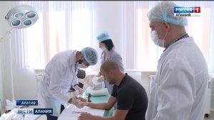 В Алагирской ЦРБ провели уникальную операцию