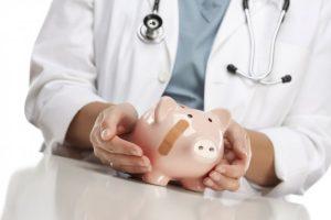 Североосетинские врачи получают одни из самых низких зарплат по стране
