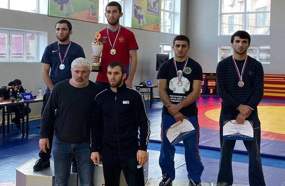 Георгий Тибилов и Урузмаг Черткоев стали чемпионами СКФО по греко-римской борьбе