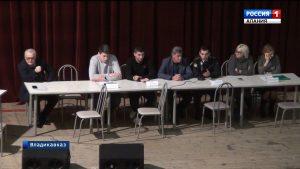 Бывшие сотрудники «Электроцинка» обсудили ситуацию с долгами по кредитам с представителями банка и приставами