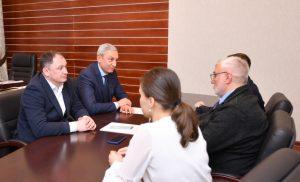 Взаимодействие с молодежью обсудили полпред Борис Джанаев и председатель совета НКО «Русь» Владимир Писаренко