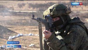 Военнослужащие 58-й армии освоили скоростную стрельбу из снайперских винтовок