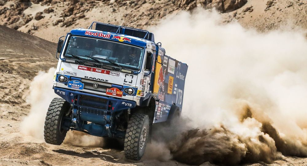Экипаж Андрея Каргинова стал лидером ралли «Дакар-2020»