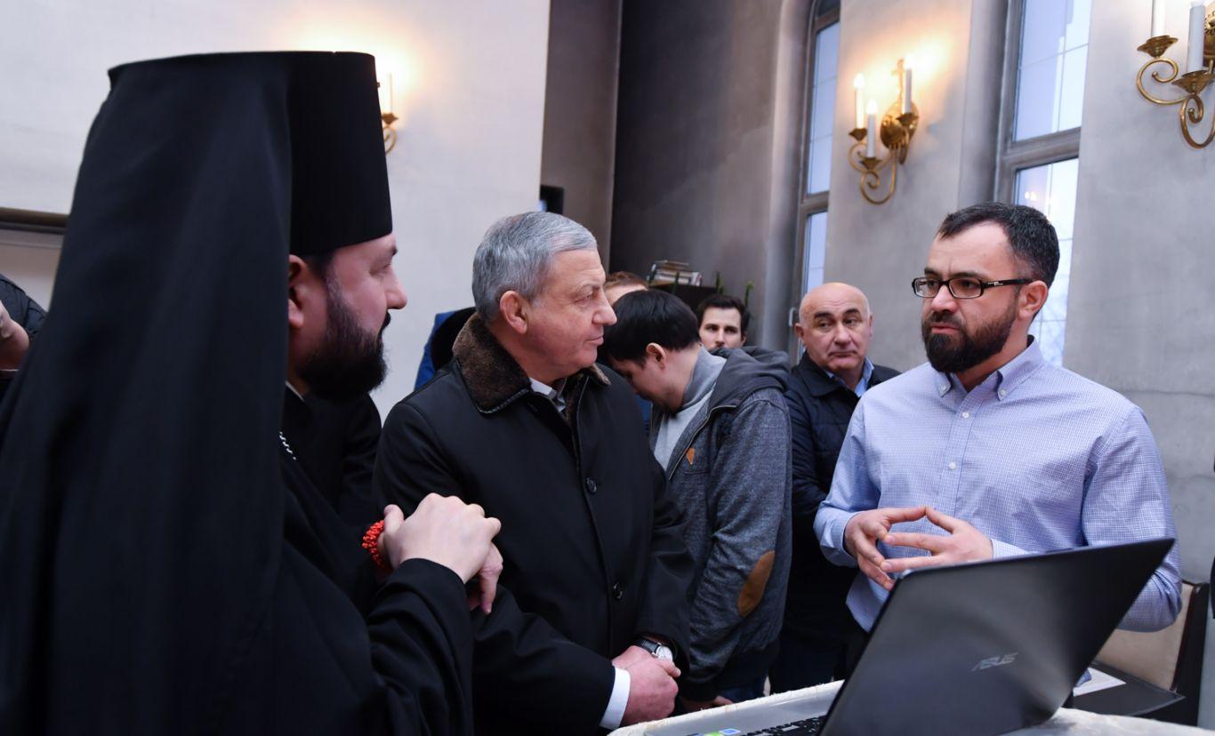 Вячеслав Битаров ознакомился с проектом росписи собора Георгия Победоносца во Владикавказе