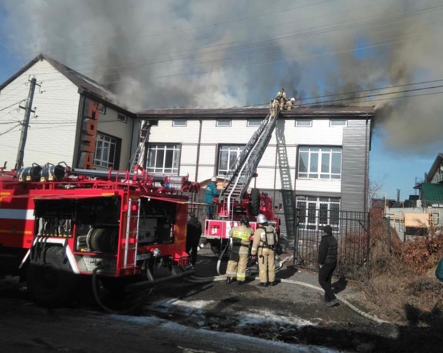 Пожарные потушили возгорание в строящемся здании во Владикавказе