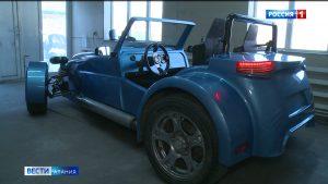 Конструктор-самоучка из Алагира запатентовал свой уникальный спортивный автомобиль