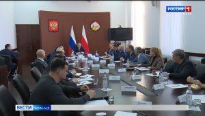 Вячеслав Битаров провел совещание по подготовке доклада-послания об основных направлениях развития республики
