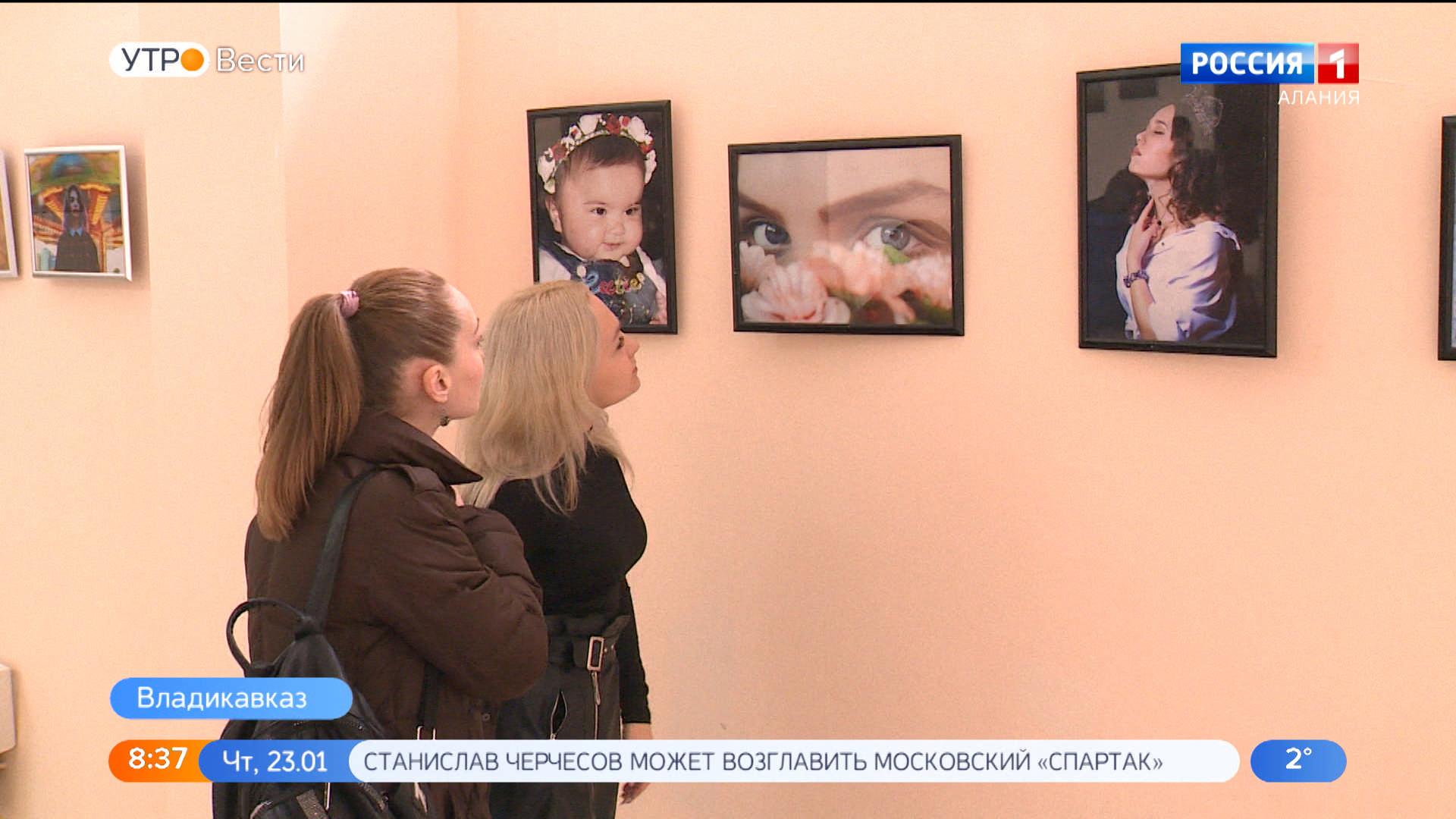 В Национальной научной библиотеке открылась  фотовыставка  студентов колледжа культуры
