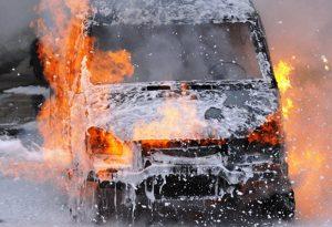 В Эльхотово за ночь сгорели три автомобиля