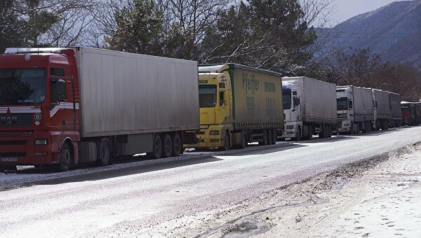 Военно-Грузинскую дорогу закрыта для большегрузов