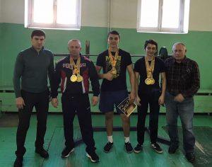 Осетинские спортсмены успешно выступили на чемпионате и первенстве России по пауэрлифтингу