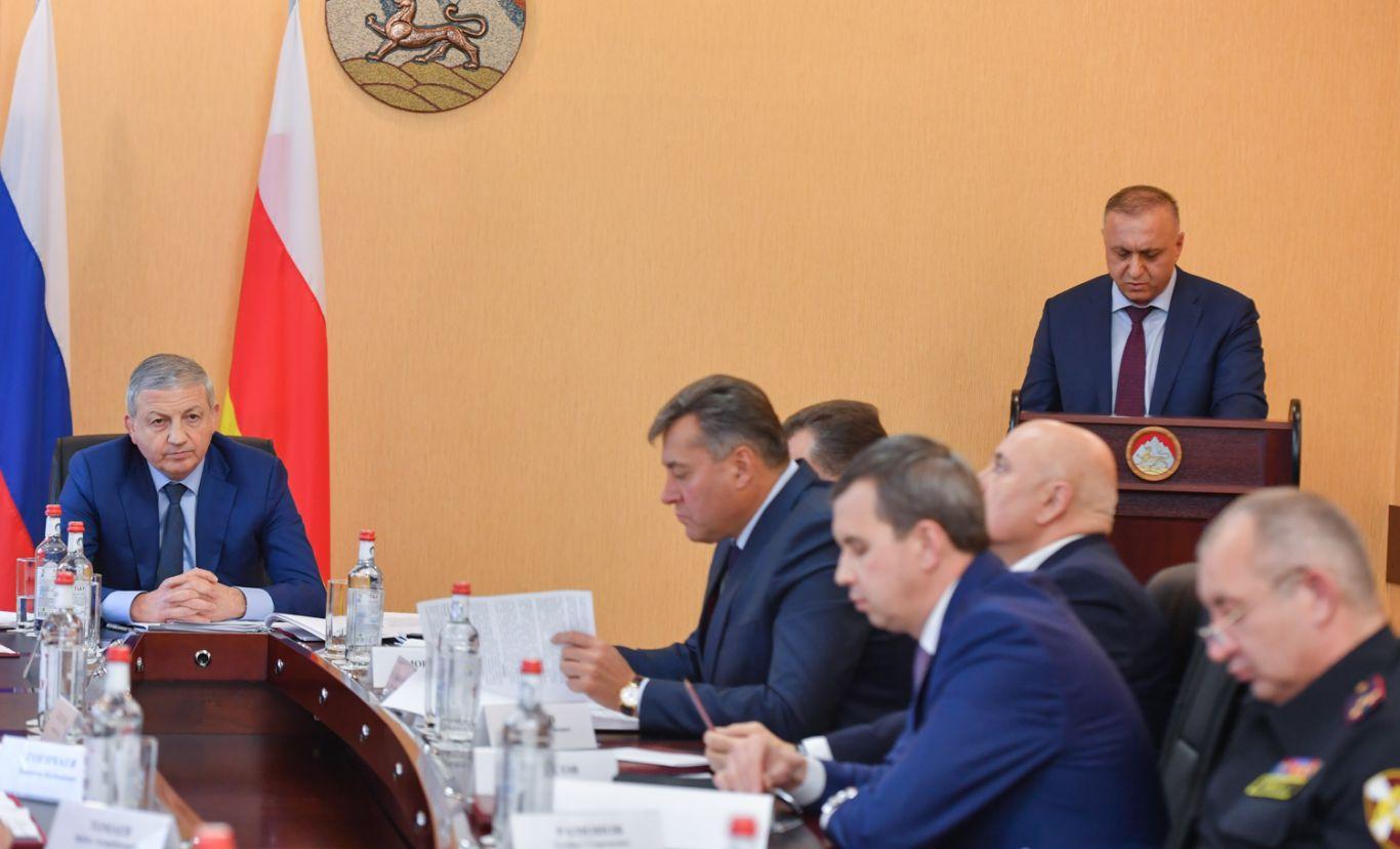 Вячеслав Битаров провел выездное заседание Антитеррористической комиссии