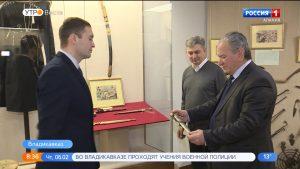 Сокровищницу Национального музея пополнил кинжал с вековой историей